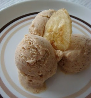 Banana Bread Ice Cream   Frozen goodness   Pinterest