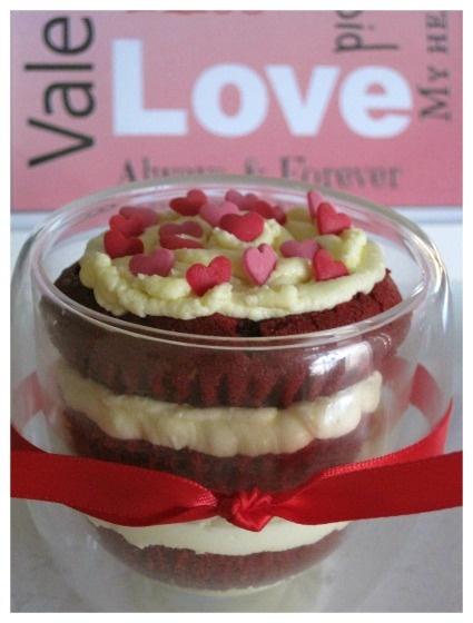 Red Velvet Cupcake in a Jar | Valentines | Pinterest