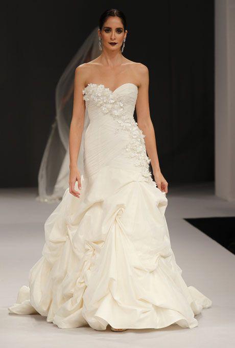 Pin by Juliana Kerrest on Wedding Gowns ::: *FAVorites*  Pinterest