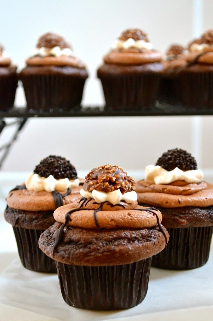 Chocolate Cupcakes With Nutella, Almond Butter, And Vanilla Cream ...