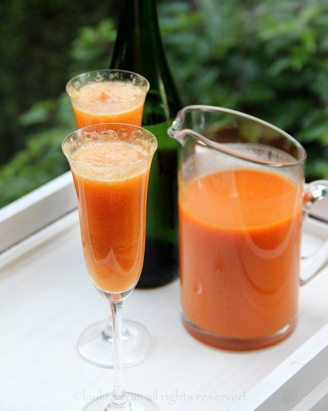 Easy recipe for the peach Bellini cocktail, made with fresh peach ...