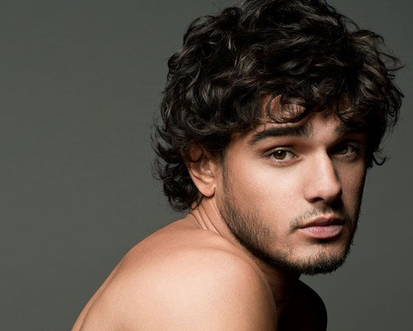 Medium length hairstyles for men with thick curly hair