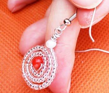 Glit Spiral Earrings - http://www.diybeadingclub.com/amember/aff/go?r=5