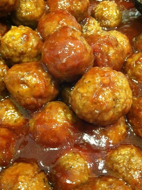 EASY COCKTAIL MEATBALLS (Chili Sauce, Grape Jelly and Frozen Meatballs ...