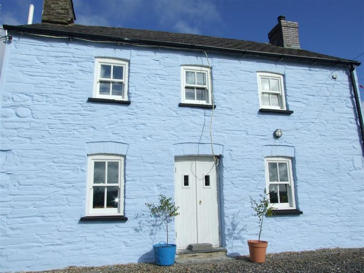 A local house painted in our beautiful Earthborn Silicate Masonry Paint. #Earthborn #SilicateMasonryPaint #CelticSustainables