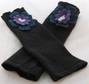$32.00 texting gloves Look At Me Designs