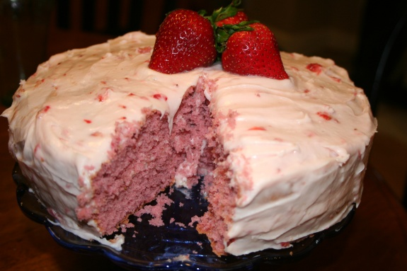 strawberry cream cheese frosting | Good Food | Pinterest