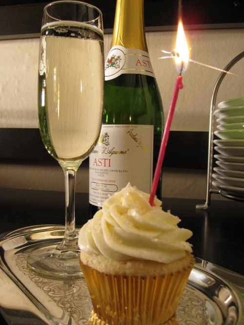 Champagne Cupcakes anyone? Recipe on her blog (yum!)