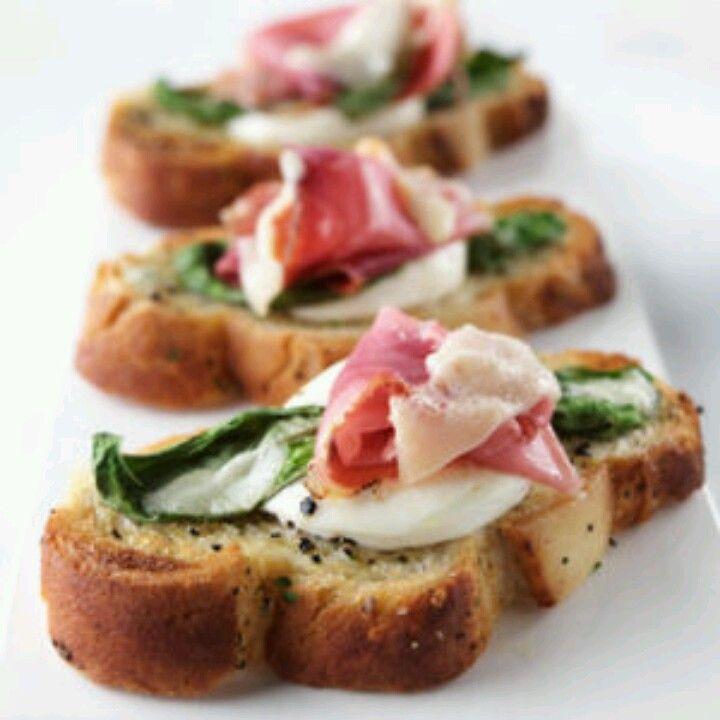 Bruschetta appetizers | My perfect Colorado wedding | Pinterest