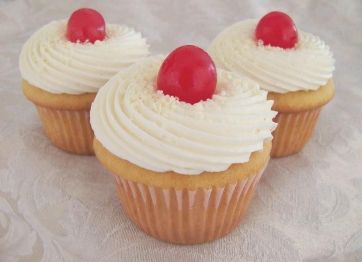 Cherry Vanilla Cupcakes   Bakery ideas   Pinterest