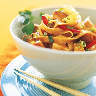 Peanut Noodles With Chicken - 15 Easy Chicken Recipes - Health Mobile