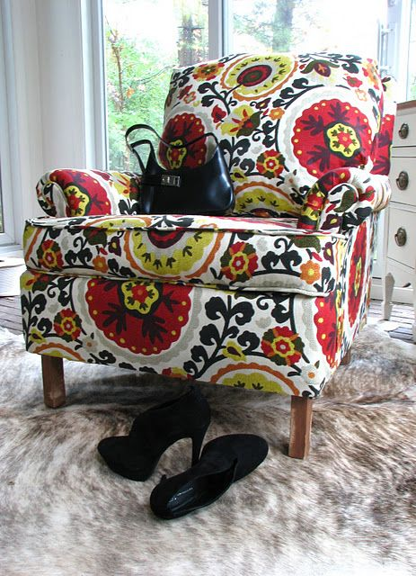 A full video tutorial on how to reupholster an old chair. What I really want to know is where she got this fabric.