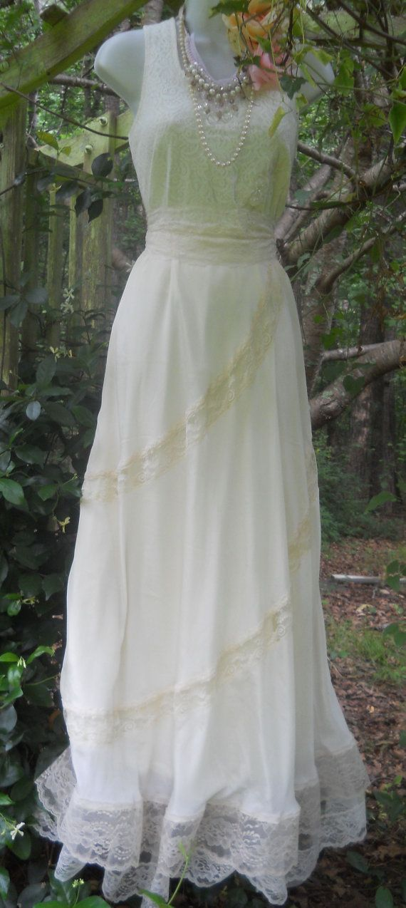 Cream lace dress silk wedding bride vintage chiffon for Romantic vintage lace wedding dresses