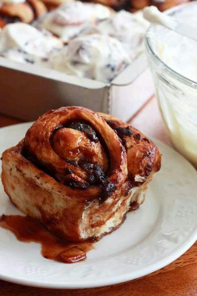 Apple butter cinnamon rolls   Sweet Desire   10   Pinterest