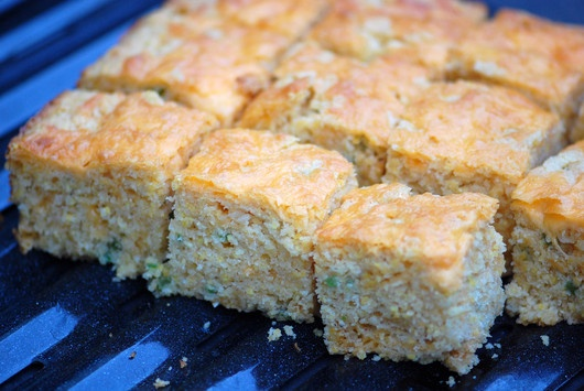Spicy Jalapeno-Cheddar Corn Bread   Best of the best recipes I have t ...