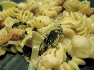 Spinach and Artichoke Macaroni and Cheese