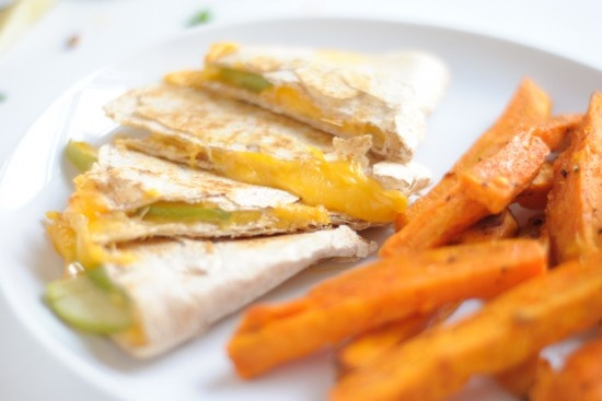 Apple and Cheese Quesadillas - healthy quick lunch idea for the Doots.