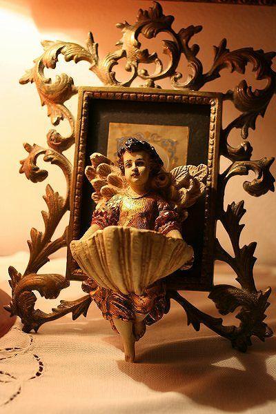 ... 額、聖水盤 | Interior decoration with antique | Pinterest: pinterest.com/pin/305470787198974602