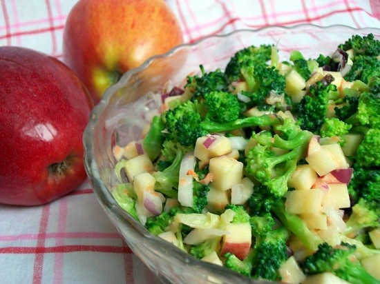 Broccoli Crunch Salad...looks healthy, fresh, and delicious.