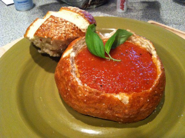 spicy tomato soup in pretzel bread | delicacy | Pinterest