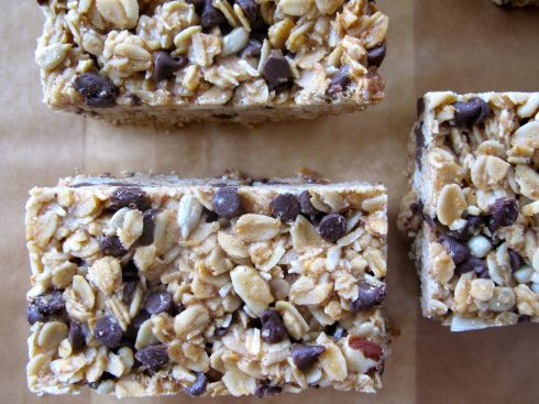 Chewy Chocolate Granola Bars | recipes to try | Pinterest