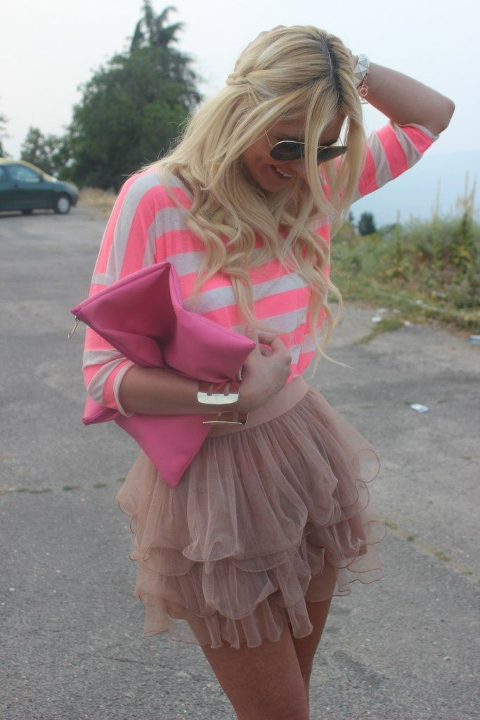wow surprisingly i really like this!cute shirt with the hot pink stripes and the nude tute skirct is adorable!