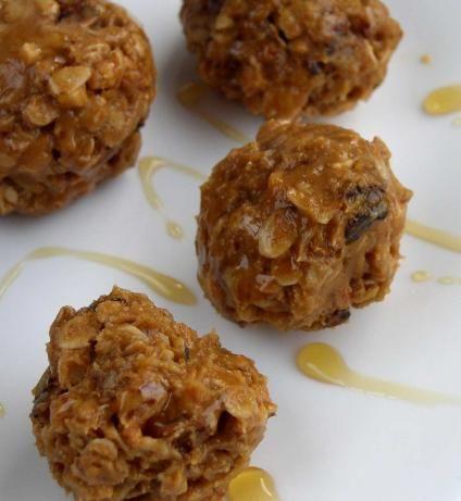 Crispy Peanut Butter Granola Balls