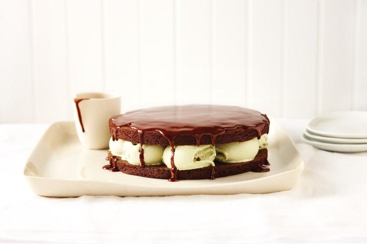 like this: pistachio ice cream , ice cream cakes and cream cakes