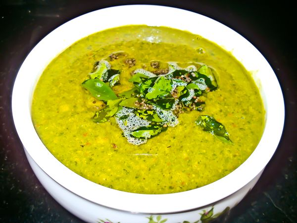 Manathakkali Keerai Molagootal (Kootu) (Green and Lentil Curry in Coc ...