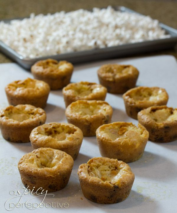 How to Make Carmel Corn Blondies Recipe | ASpicyPerspective.com # ...