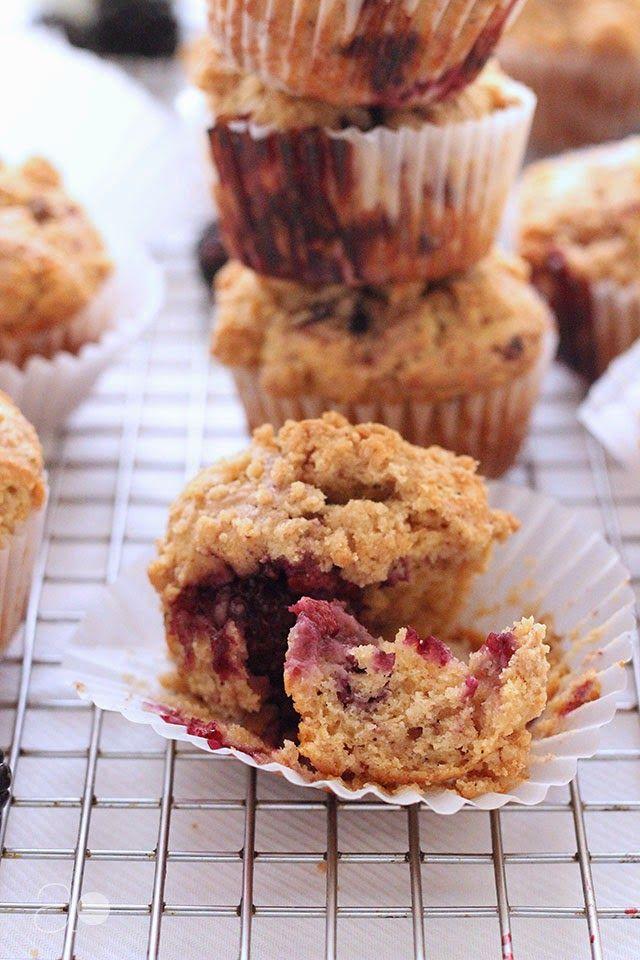 Blackberry crumb muffins | Sweet Comforting | Pinterest