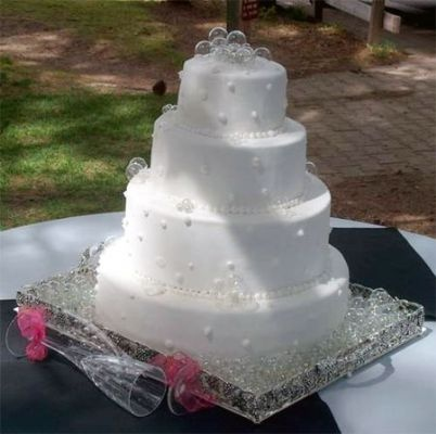 bubbles wedding cake wedding cakes pinterest. Black Bedroom Furniture Sets. Home Design Ideas
