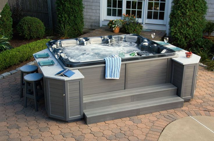 Hot tub cabinets thermospas hot tubs for the home pinterest - Jacuzzi bois exterieur ...