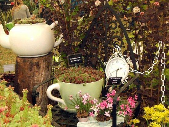 garden decor alice in wonderland garden pinterest. Black Bedroom Furniture Sets. Home Design Ideas