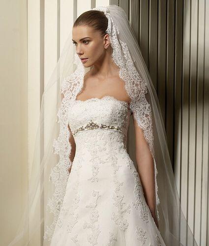 Spanish wedding gowns my style pinterest for Spanish style wedding dresses