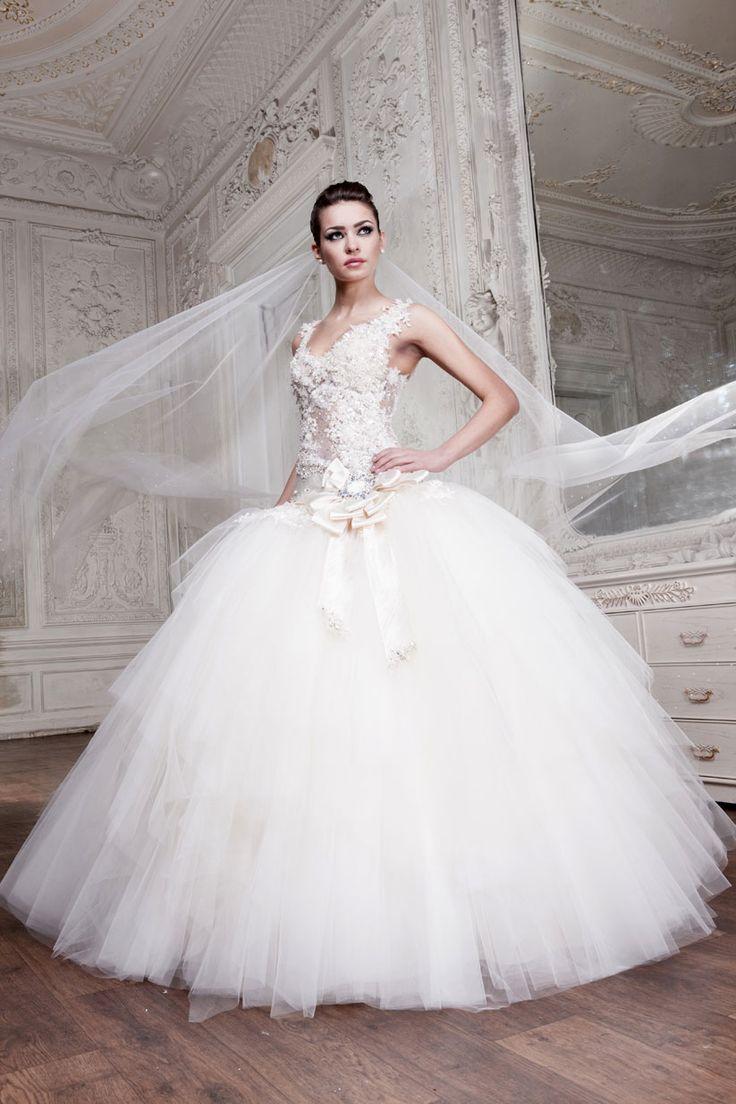 Beautiful Meringue Style Wedding Dress Traditional Wedding Dresses
