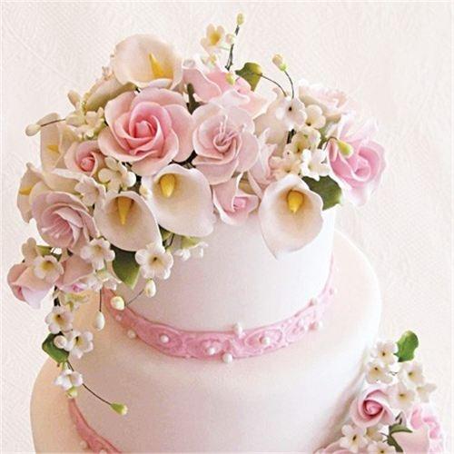Edible sugar flower cascade!   Cakes   Pinterest