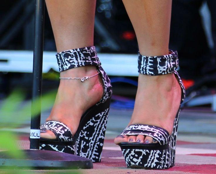 Jill-Scott-Feet | Celebrity footwear | Pinterest