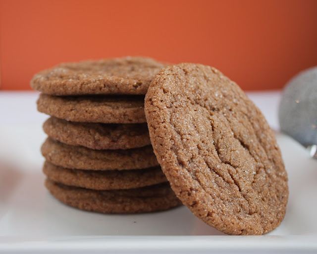 Chewy molasses-spice cookies. Makes ~32 cookies. ~100 calories/cookie.