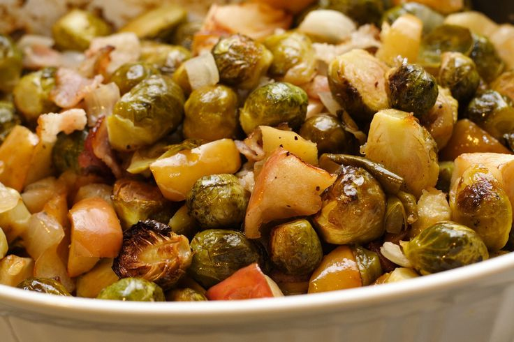 Brussel sprouts with apples and bacon | Veggie | Pinterest