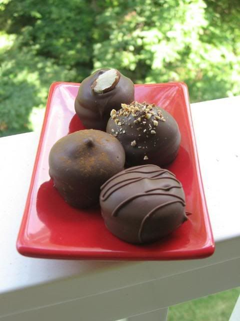 Mallows - Cinnamon, Almond, Plain & Hazelnut Mallow Cookies A Gale ...