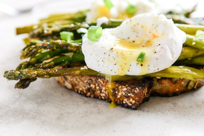 Roasted Sesame Asparagus Toasts with Poached Eggs | Recipe