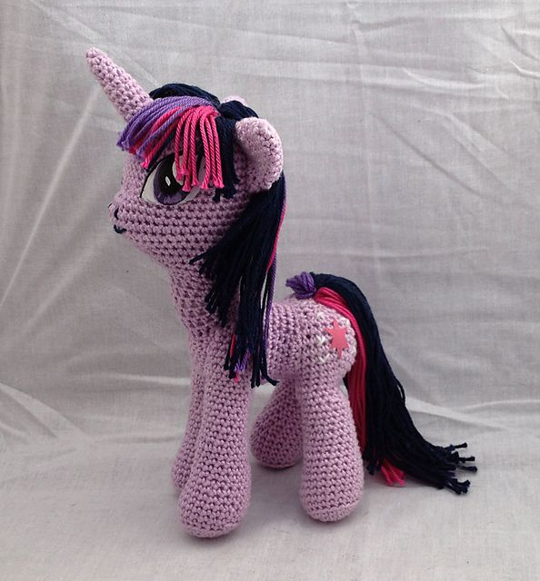 My Little Pony Amigurumi pattern by Jasmine Crabtree