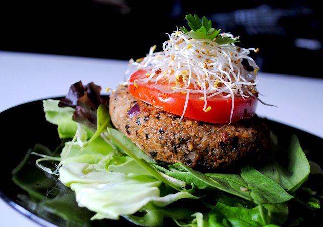 Raw Veggie Burger Delight | Raw food recipes | Pinterest