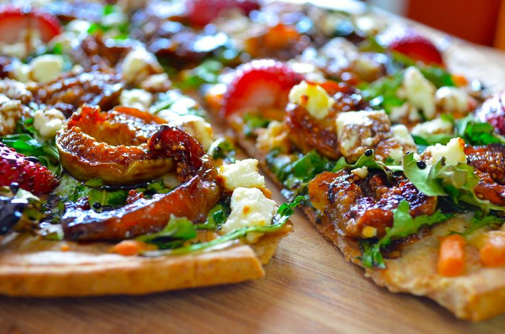 figs and goat's cheese pizza with balsamic glaze #recipes #pizza #figs ...