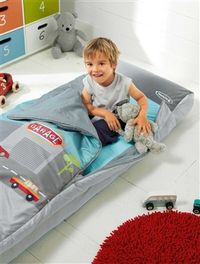 Pin by elodie chatelain on kid stuff pinterest - Sac de couchage matelas integre enfant ...