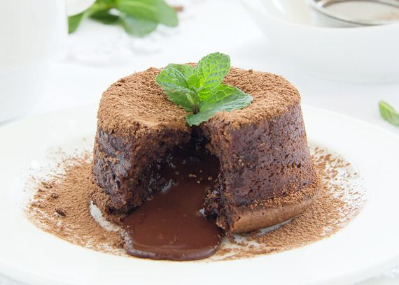 Molten Chocolate Cupcakes | Healthy-er Delights // Cupcakes + Muffins ...
