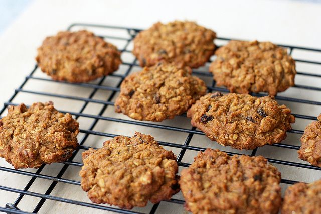 Chewy Pumpkin Oatmeal Raisin Cookies (Gluten-Free) by Tasty Yummies ...