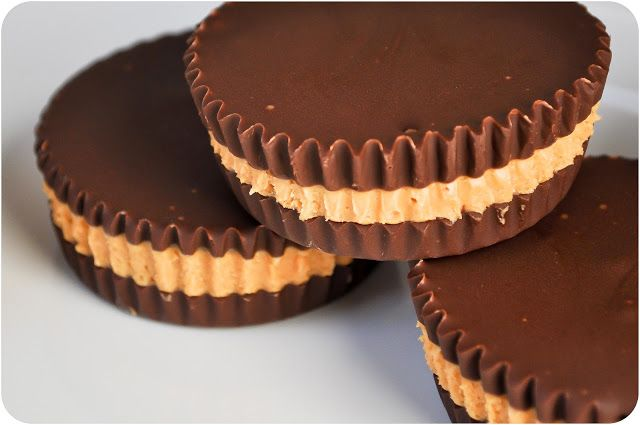 EASY four ingredient Peanut Butter Cups