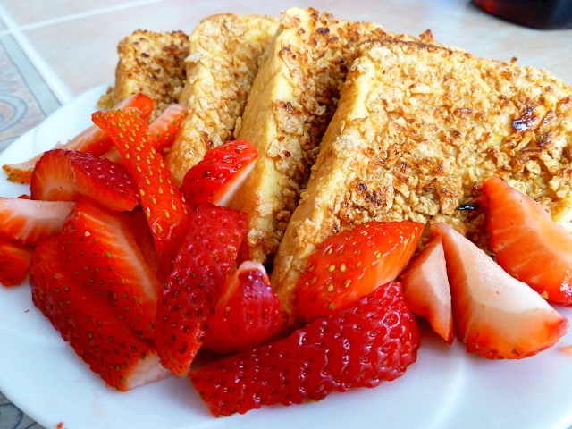 crunchy french toast | Looks DELISH for Breakfast | Pinterest